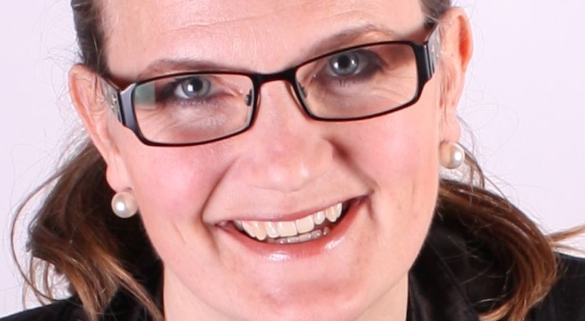 Over en åpen Bibel med Marianne Braseth (E1929)
