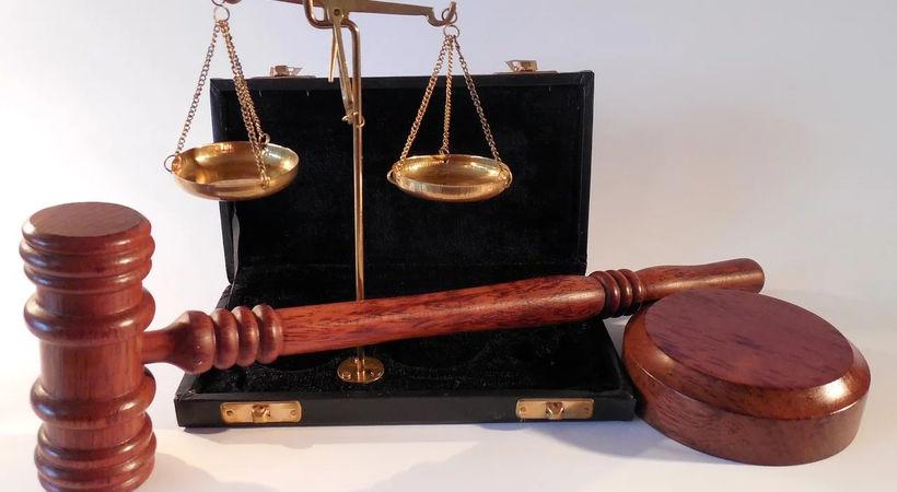 Der lovens krav må vike